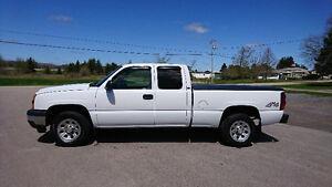 2006 Chevrolet Silverado 1500 LS Pickup Truck