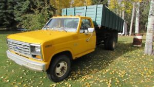 VERY NICE CONDITION 1982 Ford F-350 utility/farm truck