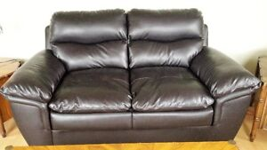 CHOCOLATE BROWN LEATHER LOVE SEAT