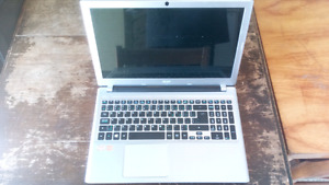 QUICK SELL BEST OFFER TAKES!! ACER ASPIRE V5-551 GREAT CONDITION