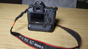 CANON 5D MkIII body only, under 11,000 Shutter Count