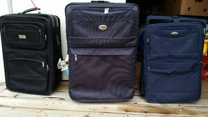 3 suitcases - 20.00 takes all three
