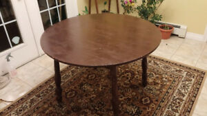 Dining table round