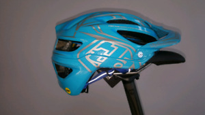 Casque de mtb troylee desighs