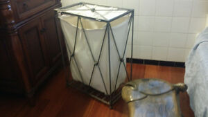 Beautiful Metal laundry basket .  Nice design Kingston Kingston Area image 3