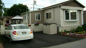 Beautiful 3 Bedrooms Mobile Home, better than a Condo .