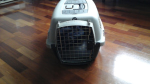 Pet taxi - petmate -  For small dogs or Big cats......