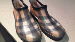 Genuine Burberry Ankle Rain Boots, size 7, $100