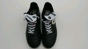 Mens Lotto indoor soccer shoes size 10.5