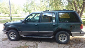 1997 Ford Explorer XLT SUV, Crossover