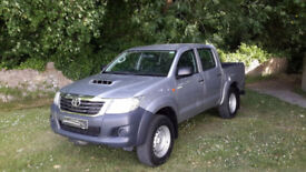 2015 '15' TOYOTA HILUX D-4D ACTIVE DOUBLE CAB PICK UP. ONLY 10,600 MILES.