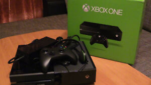 XBOX ONE 500 gigs,  GAMES,  1 CONTROLLER. with box