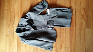 Size 5 Taupe Suit West Island Greater Montréal image 1