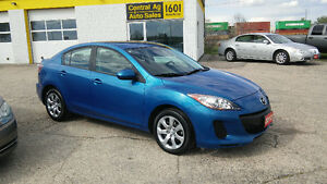 "2013 Mazda Mazda3 GX  5 SPEED  "" NO AIR ""  ONLY !!  45000 KMS"