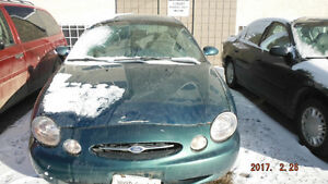 FOR SALE USED  ' 98 FORD TAURUS 192000+ KMS. GREEN