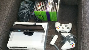 Xbox 360, Kinect, 2 Controllers, 14 Games