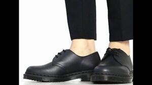 Doc Martens 1461 All Black Made in England Pebble Grain Derby