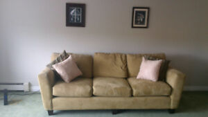 Beautiful couch for sell, must sell MOVING