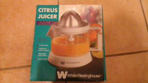 Citrus juicer by Westinghouse