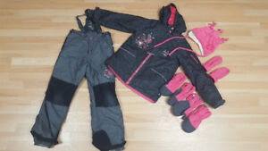 Souris Mini Girl's winter suit and accessories (Size 10)