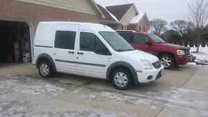 2010 Ford Transit Connect**Low Kms! London Ontario image 1