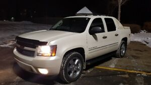 2012 Chevrolet Avalanche LTZ, CLEANEST ONE ON THE MARKET, MINT!