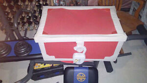 Treasure Chest Toy box with matching mirror