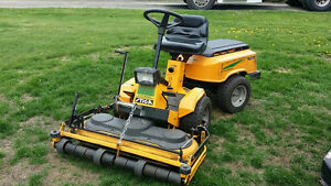 Park Stiga Articulated 12.5HP Hydrostatic Lawn Mower/Tractor