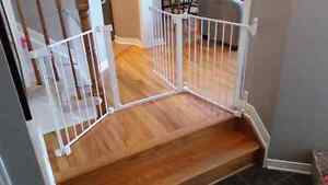 baby gates buy or sell gates monitors in ottawa kijiji classifieds. Black Bedroom Furniture Sets. Home Design Ideas