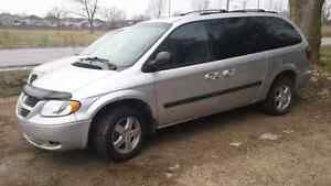 06 dodge grand caravan only 120.000km stow n go seats