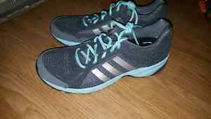 Adidas Running Shoe with Supercloud insoles