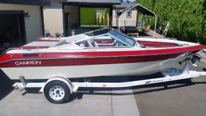 Best deal on a great family ski boat!