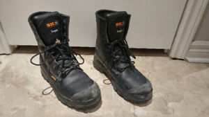 STC Keep size 10 steel-toe work boots