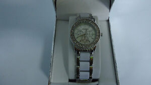 Beautiful Ladies Watch-Unlisted by Kenneth Cole-Brand New in Box Windsor Region Ontario image 3
