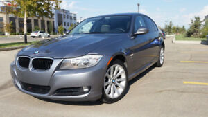 EXCELLENT CONDITION!!! LOW KMS!!! 2011 BMW 328i xDrive