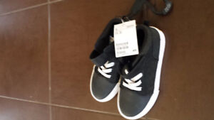 Size 13 boys sneakers new with tag from H&M