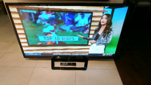 Semi-Working Sold As-Is Parts LG 60 inch Plasma 60PA6500 TV