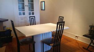 Table de cuisine et 4chaises