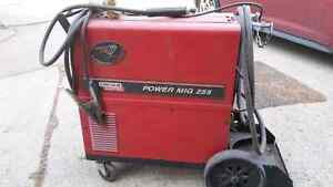 255 ELECTRIC LINCOLN MIG WELDER