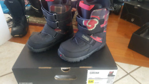 Burton Grom youth snowboard boots