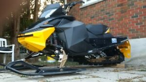 LOOK!!! 2012 SKIDOO RS!!! ULTIMATE DITCH BANGER!