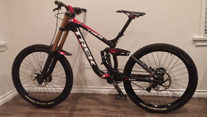 Trek Session 9.9 carbon DH Bike 2012 Worth $9k (REDUCED) $2550