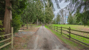 Beautiful Chemainus Farm on 10 Acres