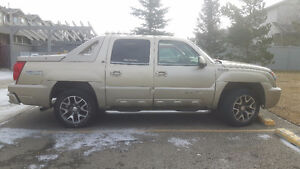 2005 Chevrolet Avalanche LT  **Price reduced to 3000 OBO*