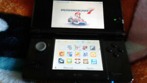 Original 3DS with games and charger (souris)