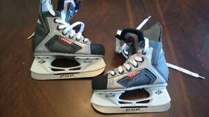 Skates,  thinking size 13 kids,  skates don't show size.