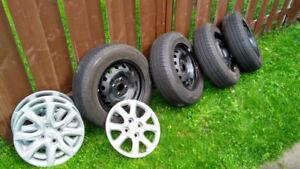 4 pneus d'été neufs Hankook H724 (175-70-14) sur jantes neuves