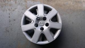 Mazda 3 OEM Enjoliveur