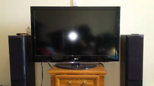 "$250 46"" lg tv in mint condition"