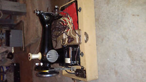 Old Imperial sewing machine, Amazing Conditon
